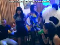 Сладкие непристойности пьяных студенток