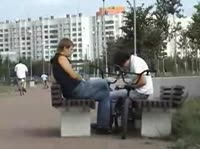 Обнажение киски в публичных местечках